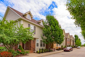 Street view of the front of Arbor Creek Village Olathe KS